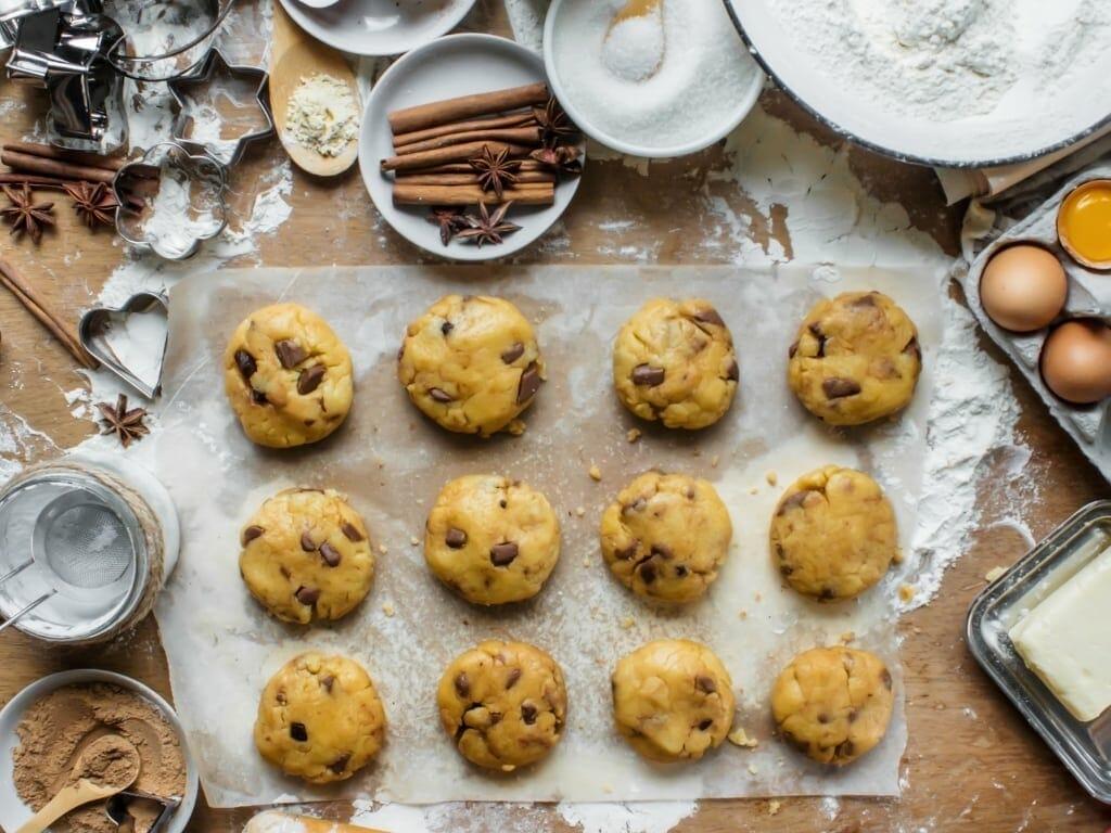 Cookies cuits au four encastrable pour la pâtisserie